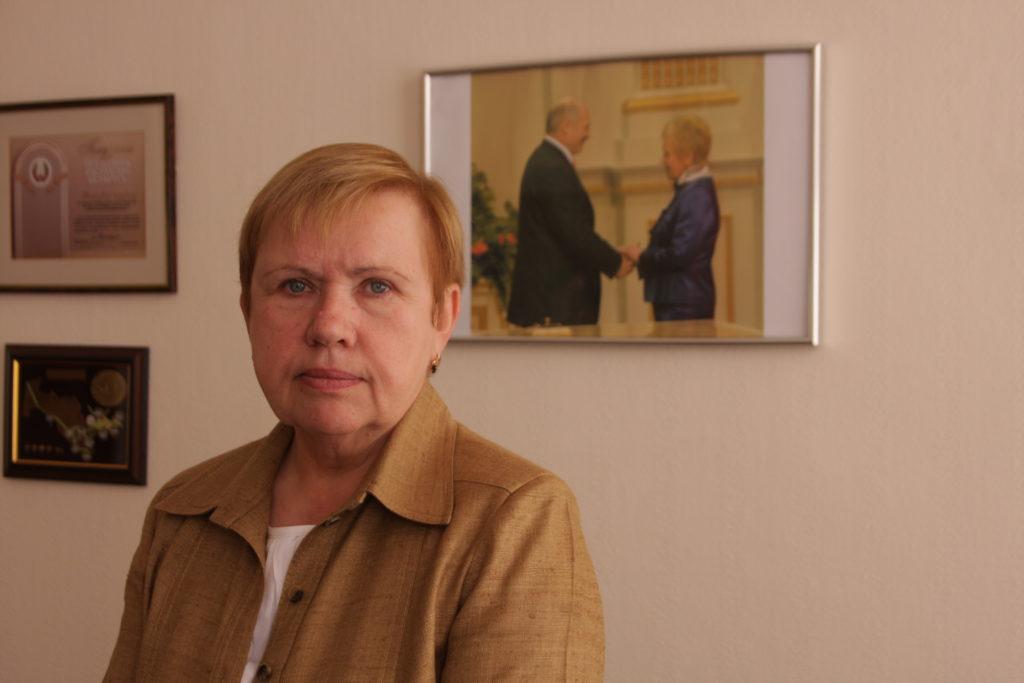 Lidija Jermoschina ist seit 20 Jahren Chefin der Zentralen Wahlkommission in Weißrussland. Bis Februar dieses Jahres galt für sie wegen der Betrugsvorwürfe bei allen Wahlen, für die sie verantwortlich war, ein Einreiseverbot in die EU.
