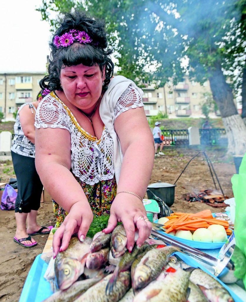 Auf einem Fischsuppen-Festival an der Wolga im Gebiet Saratow / RIA Novosti