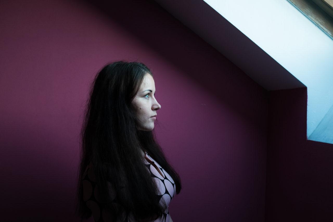 Nadja (23) ist HIV-infiziert / Ekatarina Anokhina , n-ost