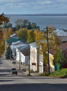 Straße in Galitsch mit Blick auf den Galitschsee / Tino Künzel