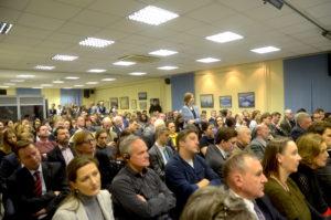 """Ein brennendes Thema: Der """"Berlin""""-Saal im Deutsch-Russischen Haus ausgefüllt bis zum letzten Stehplatz / pl"""