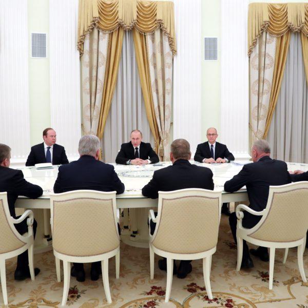 Wechsel muss sein: Fünf Ex-Gouverneure und ihre letzte Audienz bei Putin. / RIA Novosti
