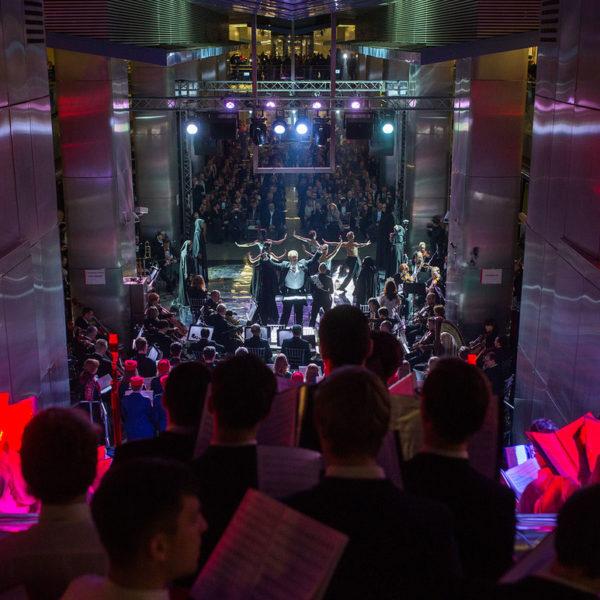"""Oper """"The Silmarillion"""" in der Metro-Station """"Delowoj Zentr"""" / MosMetro"""