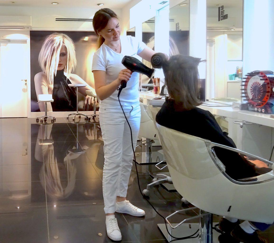 Beim Express-Beauty-Service zählen Tempo und Können. / Anna Scharapowa