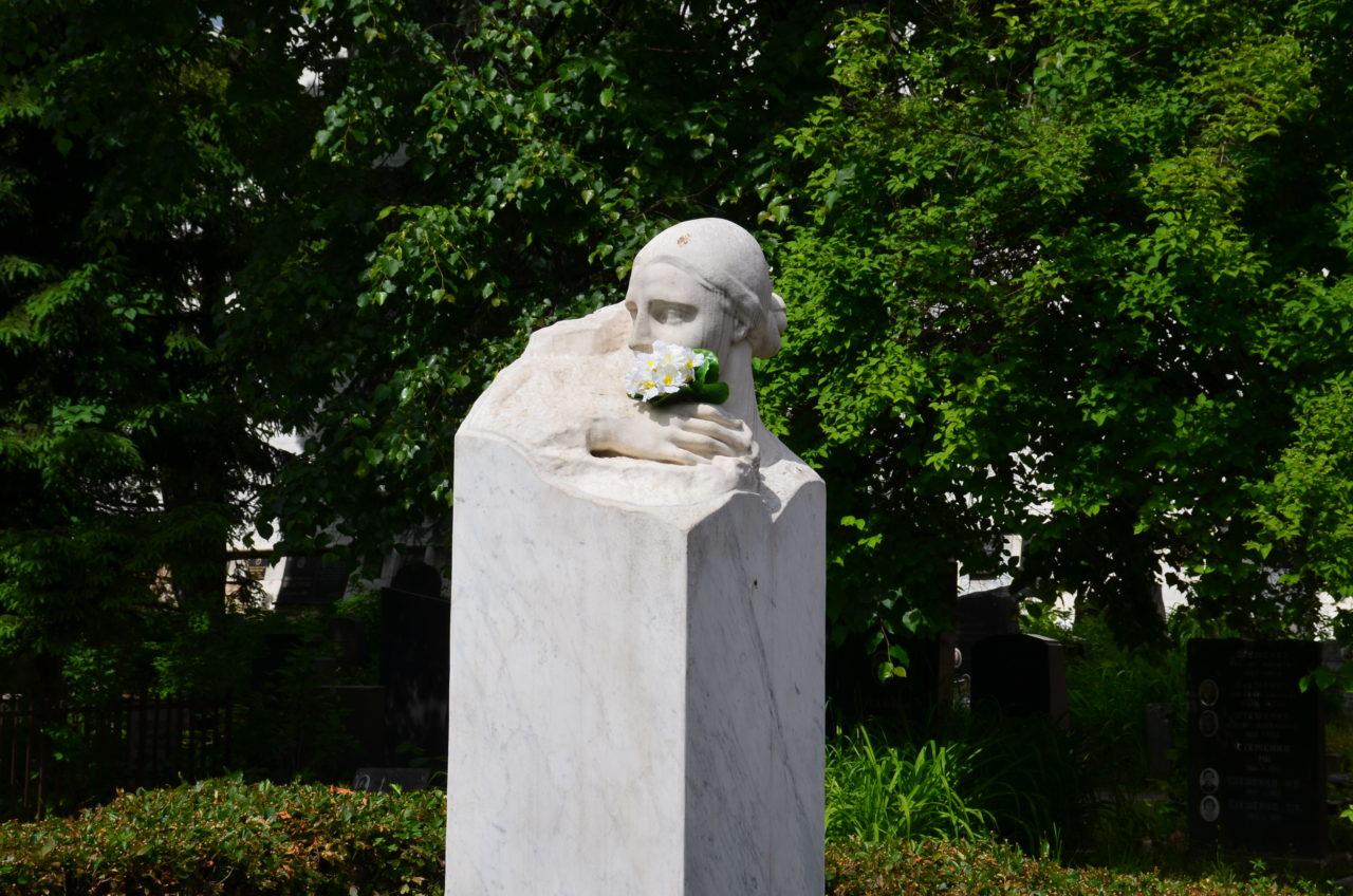 Friedhof: ein Hof des Friedens / Peggy Lohse