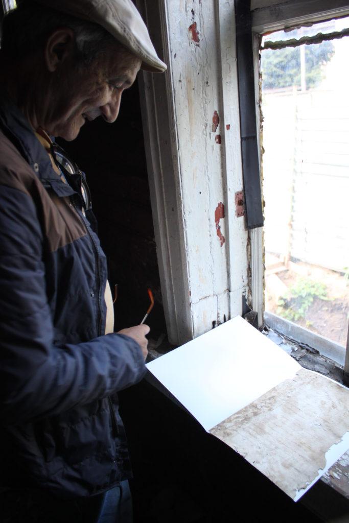 Dekchanow sichtet Papiere /Alina Ryazanova