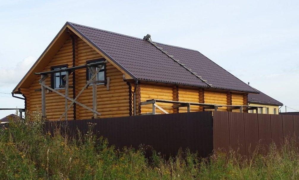 Holzhaus-Baustelle in Tschernogubowo bei Twer / Peggy Lohse
