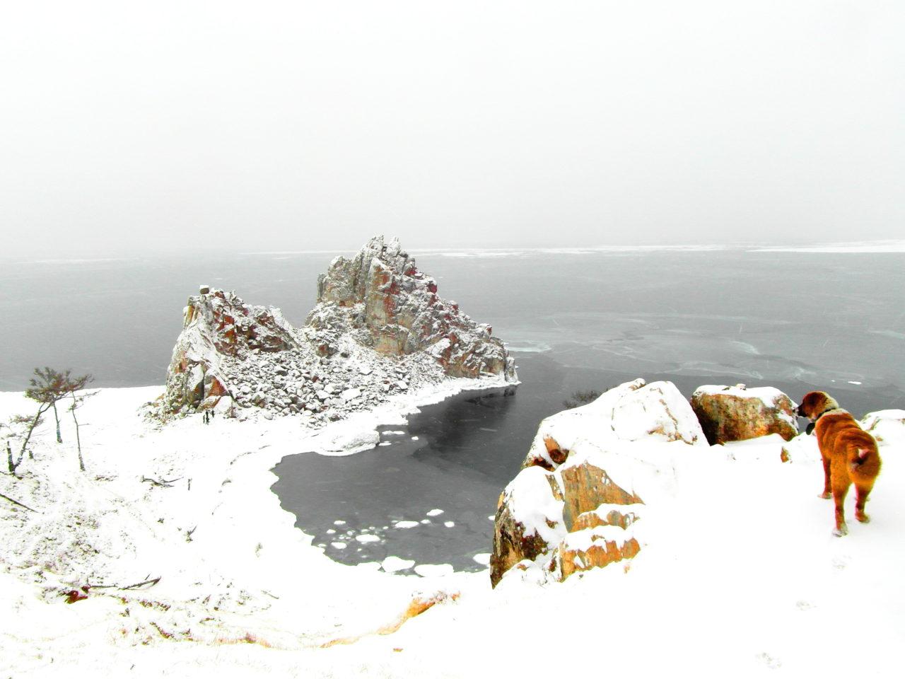 Schamanenfelsen auf der Baikal-Insel Olchon im Winter / Peggy Lohse