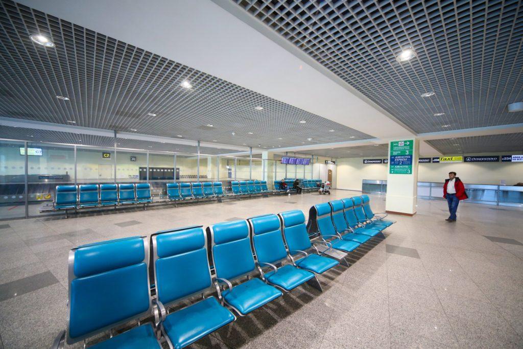 Die Luftfahrt und Corona: Leere am Flughafen Domodedowo