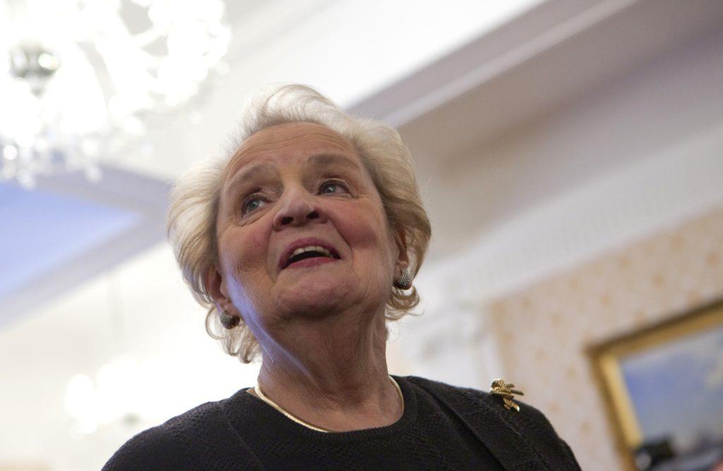 Beliebte Verschwörungstheorie:  Madeleine Albright soll die Aufteilung Sibiriens gefordert haben.