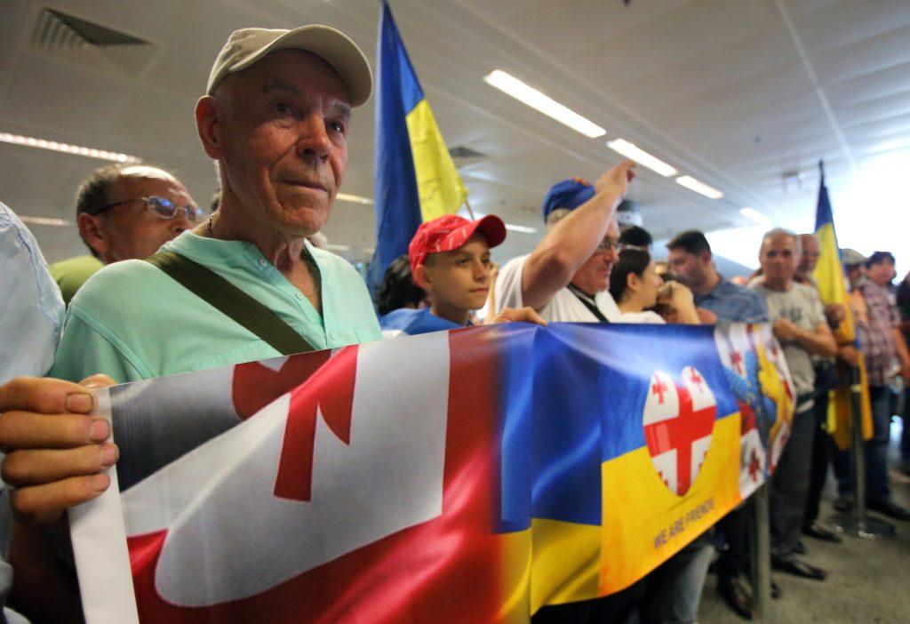 Ukrainer feiern Saakaschwili, Georgiens Regierung ist erzürnt.