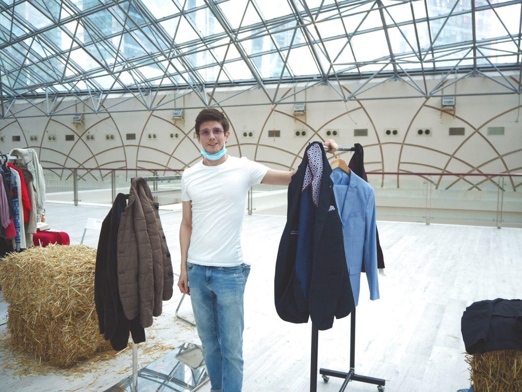Modeflohmarkt in der AfiMall: Tim und sein Stand